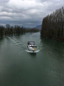 bateau sur lac suisse